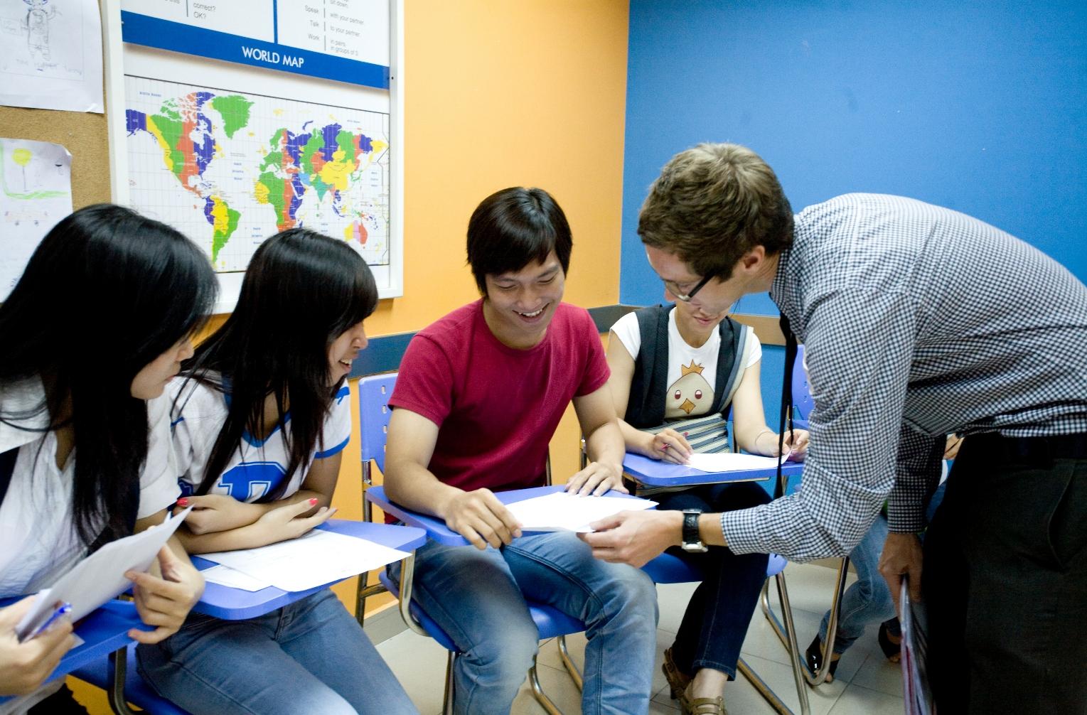 Cơ hội việc làm đang rộng mở với các sinh viên học ngành Ngôn ngữ Anh